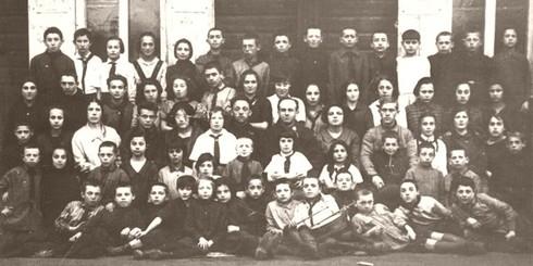 Свойский И.М. 4-й в третьем ряду от сидящих внизу - 1926 год