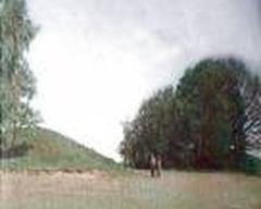 Древний курган-могильник около деревни Высочаны